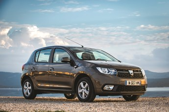 dacia sandero ambiance sce 75 review. Black Bedroom Furniture Sets. Home Design Ideas