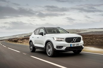 volvo xc40 t5 awd first edition. Black Bedroom Furniture Sets. Home Design Ideas
