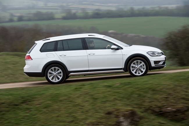 vw announces new engine options for golf new kit for passat. Black Bedroom Furniture Sets. Home Design Ideas
