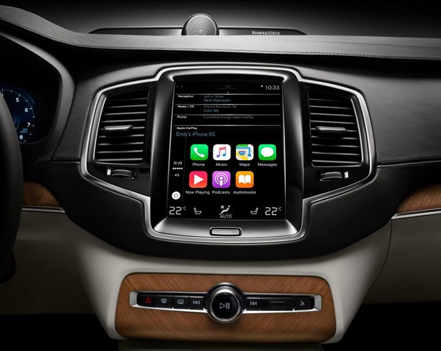 172861_Apple _Car Play _in _Volvo _XC90