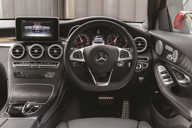 Inside _merc _glc _coupe _4