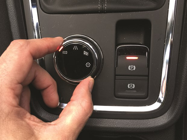 Lead Image - LTT Seat Ateca - Int Driving Mode Park Brake