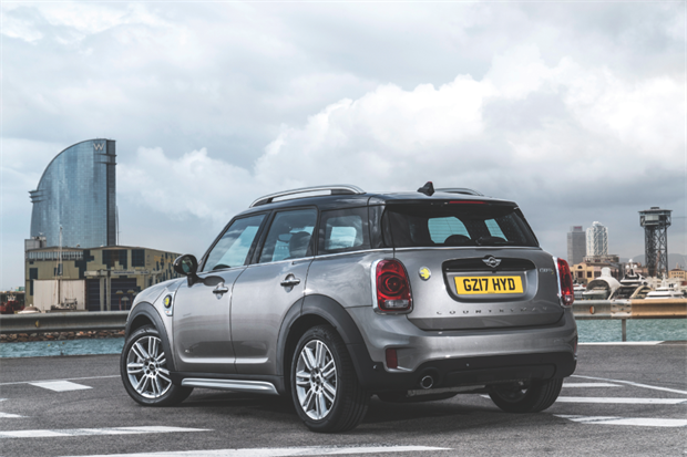 mini countryman phev review. Black Bedroom Furniture Sets. Home Design Ideas