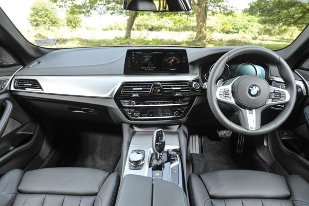 5 Series Touring Interior