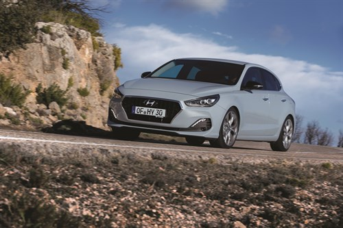 All -New I 30 Fastback (32)