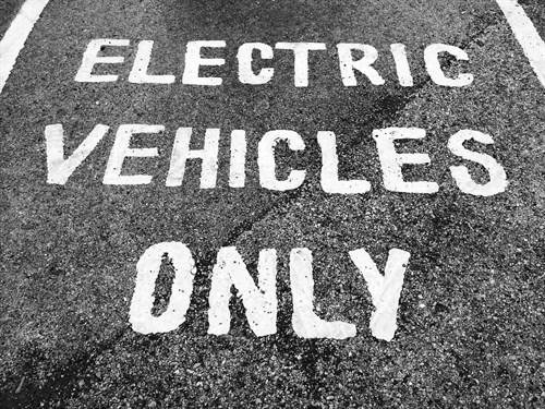 Electric Vehicles Only (small)