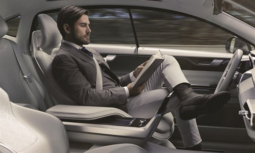 2015 Volvo Concept 26 - Reading At Wheel