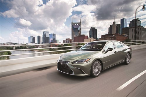 HV_Lexus ES300H_Sunlight Green 17