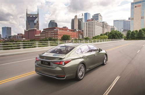 HV_Lexus ES300H_Sunlight Green 19