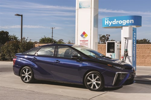 2016_Toyota _Fuel _Cell _Vehicle _014